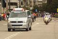 Un vehículo de asistencia y motoristas de la Guardia Civil (15218675522).jpg