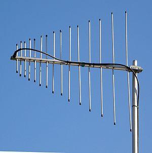 Log-periodic antenna - Image: VHF UHF LP antenna closeup