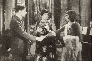 The Vagabond Lover - Rudy Vallee, Marie Dressler, and Sally Blane