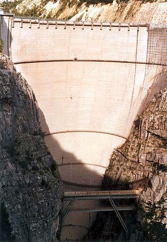 Vajont Dam - Image: Vajont Diga