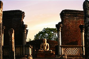 Architecture of ancient Sri Lanka - Vatadage, Polonnaruwa