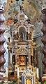 Venezia, gli scalzi, interno, altare maggiore di giuseppe pozzo, con tavola del 1410 ca. 02.jpg