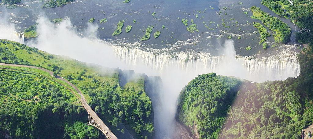 Victoria-Falls-BG