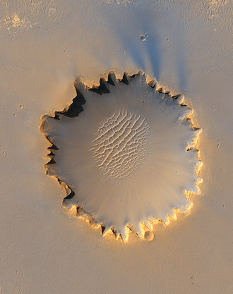 Victoria (crater) - Taken by HiRISE on MRO