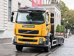 Volvo FL 230 Fahrzeugtransporter.jpg