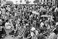 Voorbereiding onafhankelijkheid in Suriname toeschouwers bij bootraces, Bestanddeelnr 928-2875.jpg