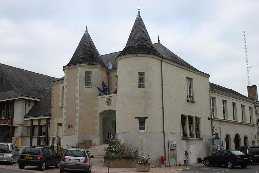 Mairie, Fr-49-Doué-la-Fontaine.