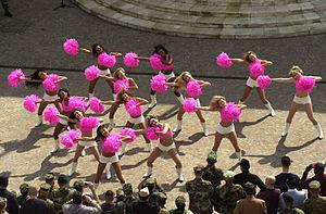Pom-pom girls: danse des cheerleaders des Washington Redskins