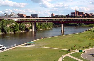 Washington Avenue Bridge (Minneapolis) - The Washington Avenue Bridge in Minneapolis, prior to the 2011-12 reconstruction, looking south from NP Bridge #9