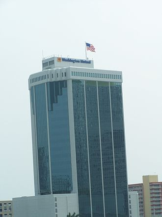Brickell Bayview Center - Building in 2007 under Washington Mutual naming rights.