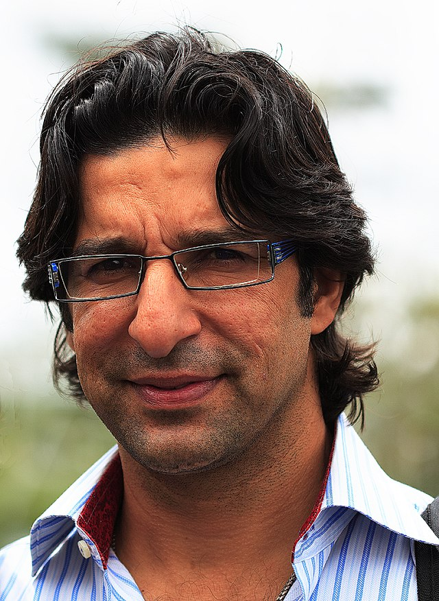 The 51-year old son of father Chaudhry Mohammad Akram and mother(?), 190 cm tall Wasim Akram in 2017 photo