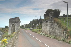 A2 road (Northern Ireland) - Image: Waterfoot White Arch 913