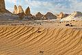 Weisse Wüste (4014264831).jpg