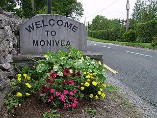 Monivea Town in Connacht, Ireland
