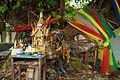 Well-tended srine at Wat Pathumkongka (6491915013).jpg