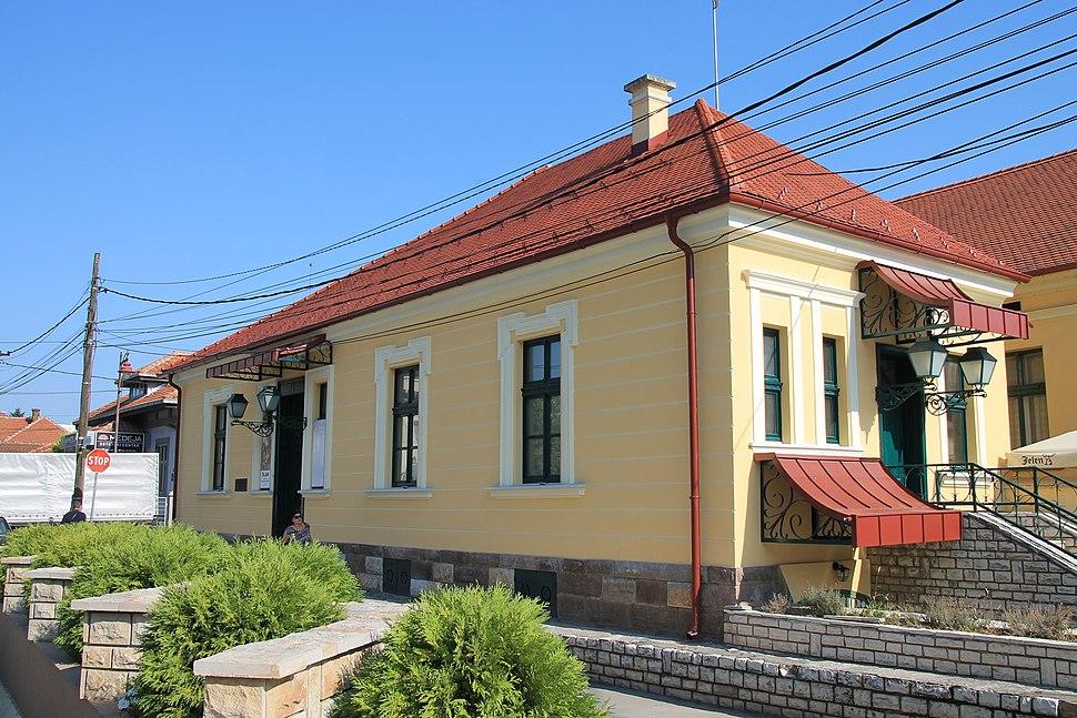 Wiki Šumadija XII Buildings in Čačak 095