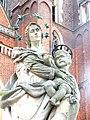 Wrocław, Ostrów Tumski statua Matki Boskiej z Dzieciątkiem(5).jpg