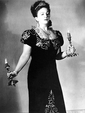Zinka Milanov - Milanov performing in Tosca, 1946