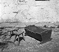 """""""Zbela"""" (zibelka) in 2 stara stola pri Kmetovih, Gradišče 1955 (2).jpg"""