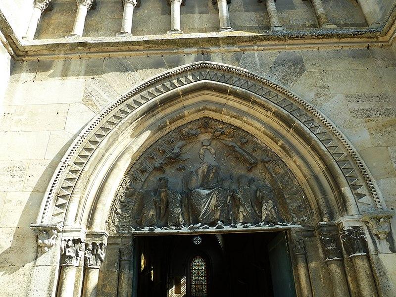 Notre-Dame de Paris - Page 2 800px-%C3%89glise_Saint-Hermeland_-_Bagneux_-_Haut-de-Seine_%E2%80%93_France_%E2%80%93_M%C3%A9rim%C3%A9e_PA00088067_%285%29