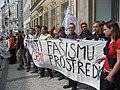 Členové a příznivci Mladých sociálních demokratů na neohlášeném shromáždění u Karlova náměstí.jpg