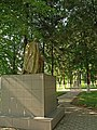 Братська могила загиблих в Другу світову війну та пам'ятник Шевченку в Городку DSCF1194.JPG