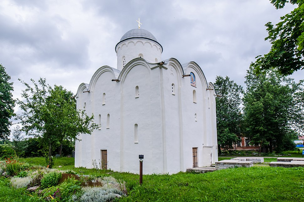 Собор Успения Пресвятой Богородицы XII века постройки