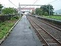上中駅 ホーム東端 - panoramio.jpg