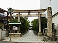 六郷神社の鳥居 東京都大田区にて 2012.9.22 - panoramio.jpg