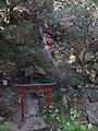 高座の滝と金玉大明神 Koza Waterfalls - panoramio.jpg
