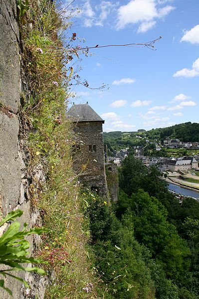 Bouillon (Belgium), southeast ramparts of the fortified castle (Xth–XVIth centuries) the city and the Semois river.