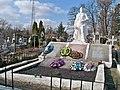 1. Яворів.Дільниця на кладовищі, де поховані радянські воїни.jpg