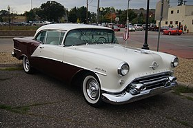 1954 Oldsmobile Ninety Eight Holiday (15117858399).jpg