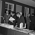 1969 visite Bernard Pons au CNRA-40-cliche Jean Weber.jpg