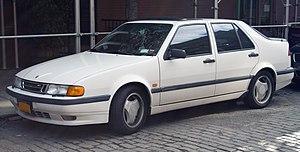 1994 Saab 9000 Aero front.jpg