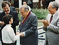 1996. Diciembre, 6. RC acompañado de Asdrúbal Aguiar, José Guillermo Andueza y los niños de la Orquesta Sinfónica Infantil de Venezuela.jpg