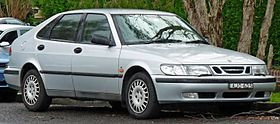 2000 Saab 9-3 S 5-door hatchback (2011-06-15) 01.jpg