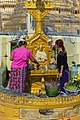 2016 Rangun, Pagoda Botahtaung (31).jpg