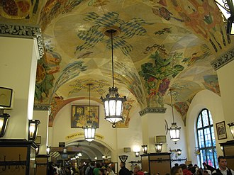 Hofbräuhaus am Platzl - The ceiling features elaborate frescoes in the baroque style