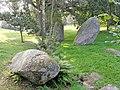 3 menhirs Tingoff Plomelin.JPG