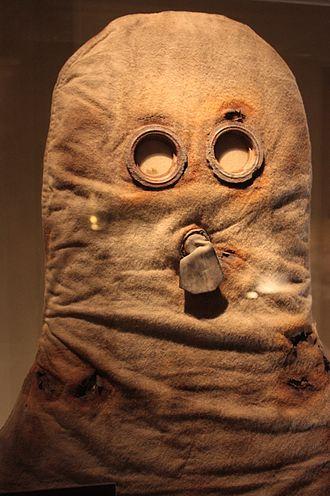 Gas mask - A World War I British gas hood c.1915