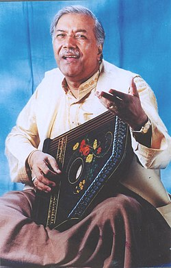 A still of Shri Ghulam Mustafa Waris Khan who will be presented with the Sangeet Natak Akademi Award for Hindustani Music - Vocal by the President Dr. A.P.J Abdul Kalam in New Delhi on October 26, 2004.jpg