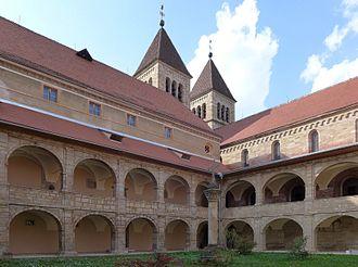 Seckau Abbey - Image: Abtei Seckau Innerer Klosterhof 1