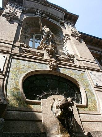 Civic Aquarium of Milan - Image: Acquario milano 2 statua di nettuno