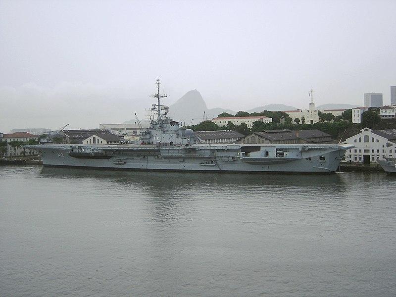 File:Aircraft carrier Sao Paulo in Rio 12-2007.jpg