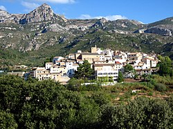 View of Alfara de Carles with the Serra de l'Espina in the background
