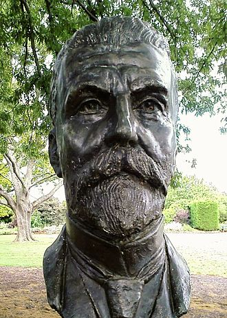 Alfred Deakin - Bust of Alfred Deakin by sculptor Wallace Anderson located in the Prime Ministers Avenue in the Ballarat Botanical Gardens