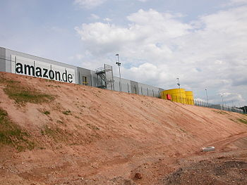 English: Logistic Center Amazon in Bad Hersfel...