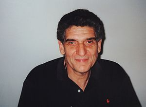 The Fugitive (1993 film) - Actor Andreas Katsulas, who portrayed the character of Fredrick Sykes, also referred to as the one-armed man.