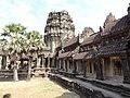 Angkor Wat Gopuram 11.jpg